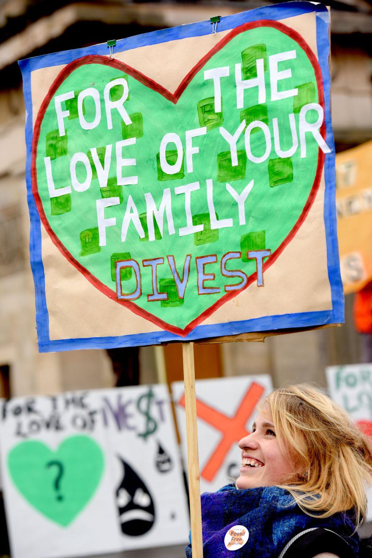 14_feb_2015_Edinburgh_protest_credit_FOES-1