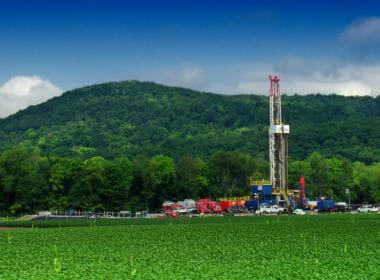 Drilling Rig | CC | https://flic.kr/p/cQDTzJ | Nicholas A. Tonelli