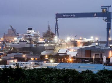 Rosyth Dockyard   Andrew Linnet   Crown Copyright