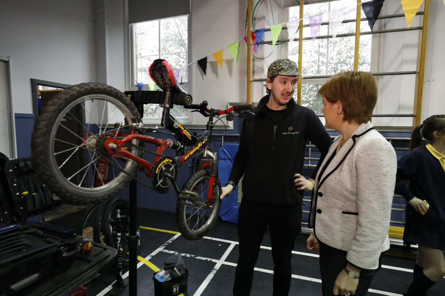 Nicola Sturgeon visits 1000 climate challenge funded project